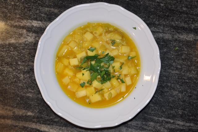 Lauch_Kartoffel Suppe mit Curcuma